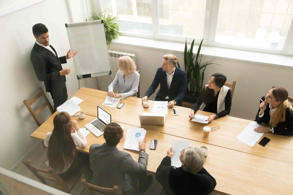 Tập trung vào việc nói trôi chảy và không quan tâm đến ngữ pháp giúp bạn tăng khả năng giao tiếp