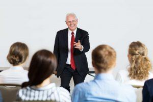 Tại sao bạn nên chọn một giáo viên bản ngữ (native speaker)